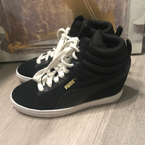 sale retailer 55213 52b42 Puma Wedge Sneakers. M 5b6d125edcfb5a24c6d17eb3